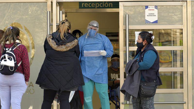 """Si en 10 días no bajan los contagios en Mendoza, el Gobierno tiene la fase 1 """"a la vista"""""""