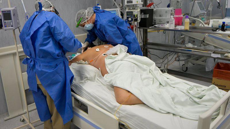 Una muestra fotográfica reúne imborrables imágenes de la pandemia en Mendoza