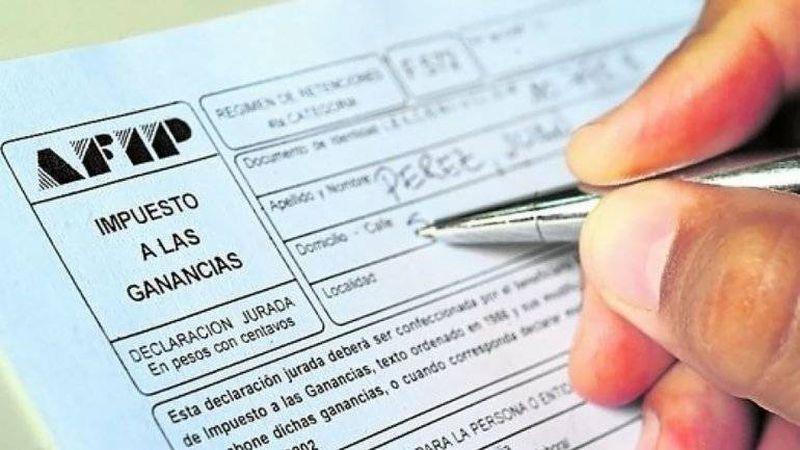 Impuesto a las ganancias: cuánto habría que pagar con la suba del mínimo