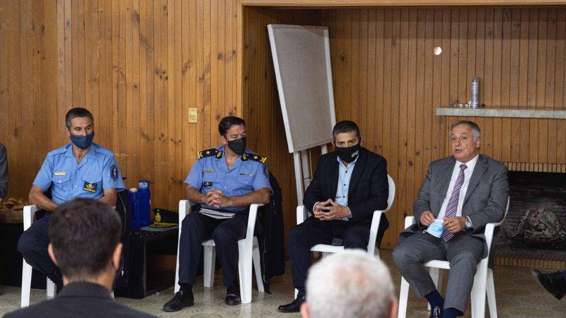 El procurador Gullé se sumó a las críticas radicales contra Palermo y Adaro