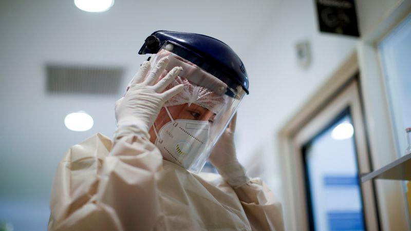 Cifra récord de muertes con 166 fallecidos y 4.824 nuevos positivos de Covid-19 en 24 horas en el país