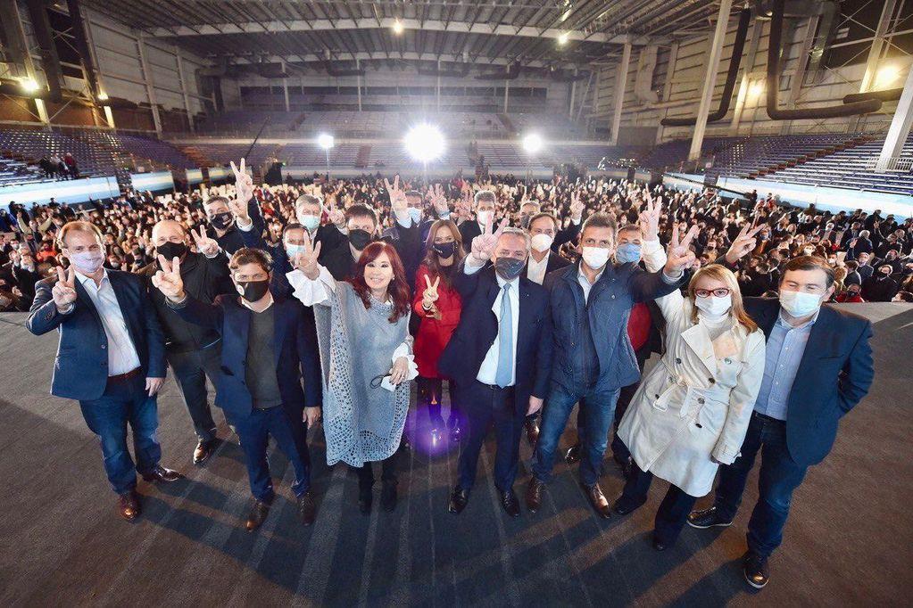 Argentina llega a las urnas con una economía de guerra: inflación, cepos, desempleo y pobreza
