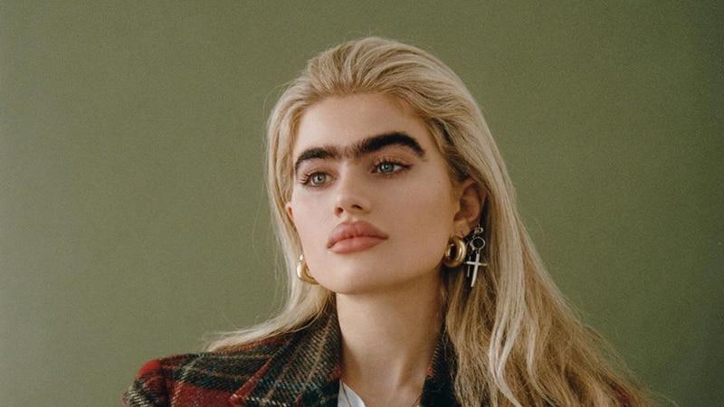 Sophia Hadjipanteli es modelo y tiene una uniceja por la cual recibe fuertes amenazas