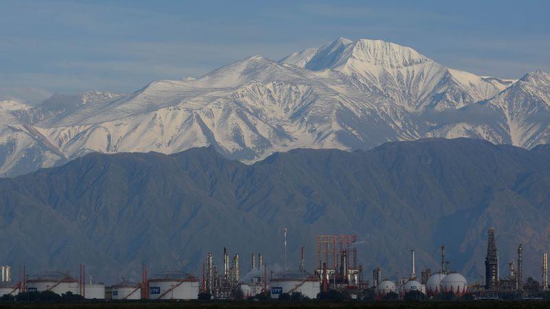 Hallaron dos cadáveres congelados en el cerro El Plata: creen que son dos jóvenes que desaparecieron hace 25 años