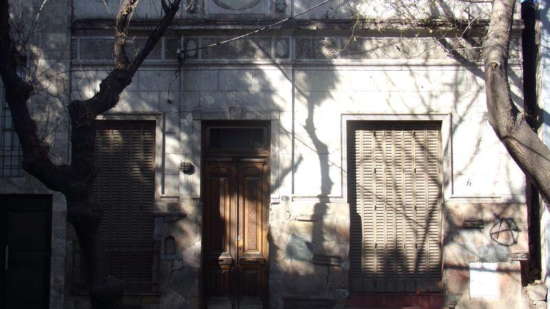"""Un viaje al pasado en nuestra ciudad: las fachadas de las casas """"chorizo""""."""