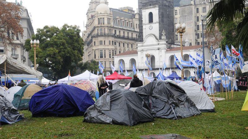 """La ministra de Mujeres reiteró que """"Milagro Sala es una presa política"""" y sigue el acampe en Plaza de Mayo"""